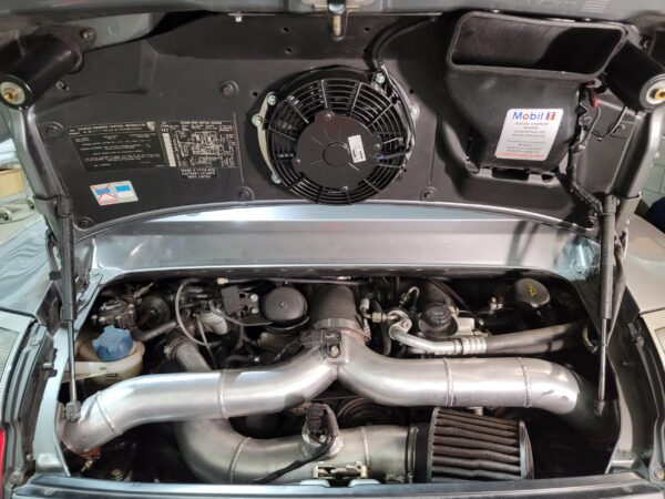 Magnus Motorsports Slim Fan Kit accommodates larger charge pipes on 996 porsche twin turbos